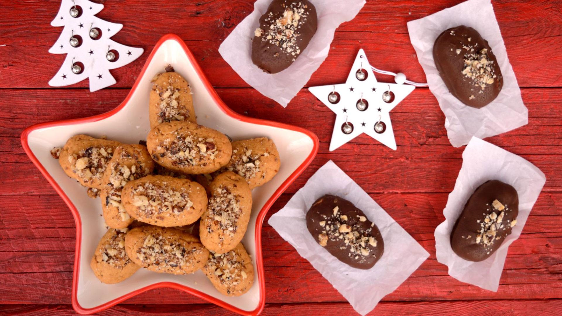 Τα αγαπημένα μας μελομακάρονα κλασικά και με σοκολάτα