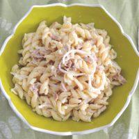 Ζεστά ή κρύα ζυμαρικά βίδες με τόνο έτοιμα σε 10'