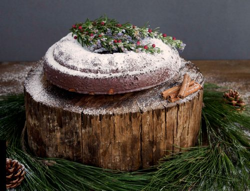 CHRISTMAS CAKE WITH CHOCOLATE, SPICES AND DRIED FRUITS