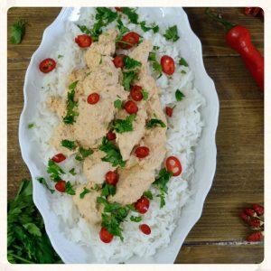 Πικάντικο κοτόπουλο κάρυ με γιαούρτι και ρύζι basmati