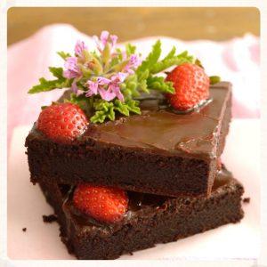 Σοκολατόπιτα με φράουλες