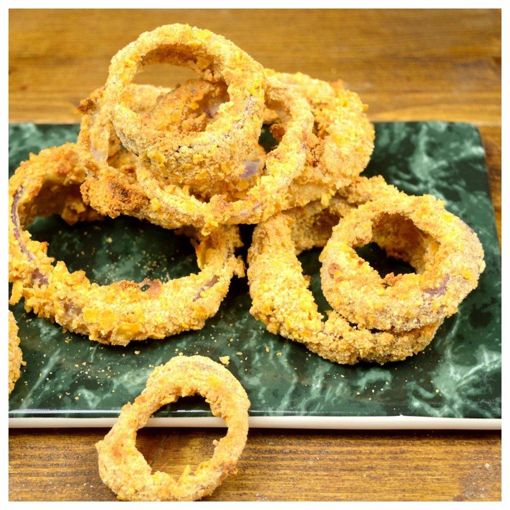 Τραγανά onion rings στο φούρνο