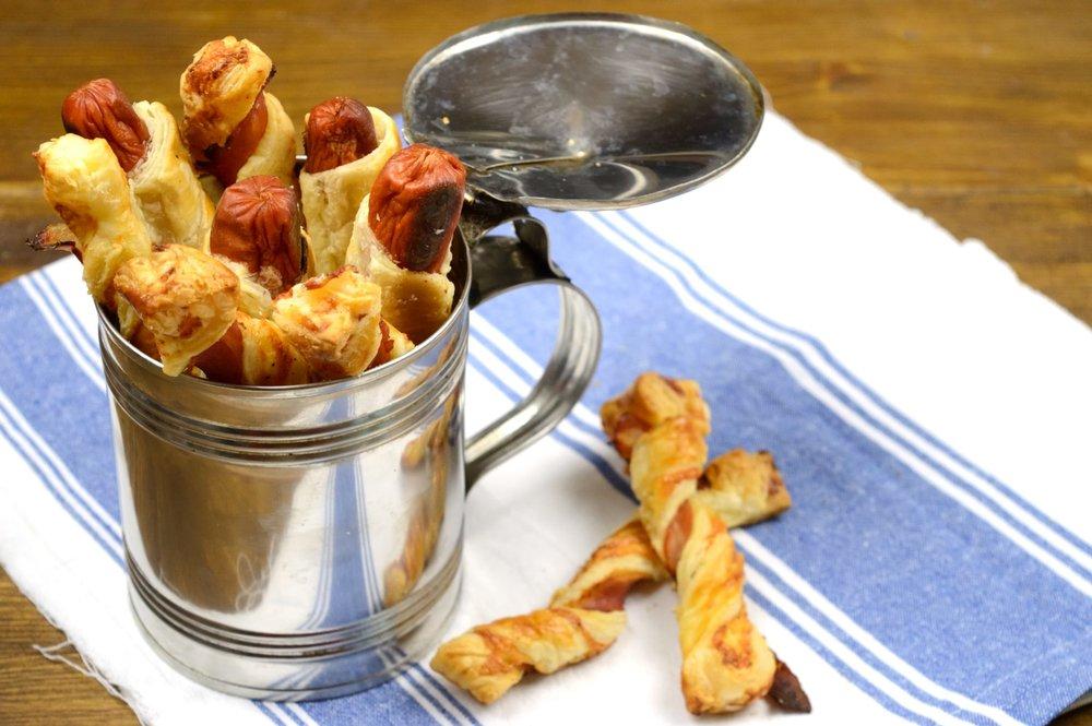 Leftovers από σφολιάτα-cheese twist με μπέικον & πιροσκί