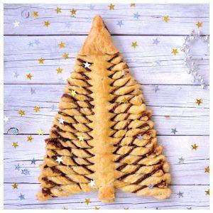 Χριστουγεννιάτικο δέντρο σφολιάτα με γέμιση πραλίνα