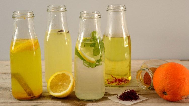 Ζεστό νερό με διάφορες γεύσεις
