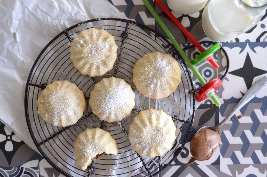 Γεμιστά μπισκότα με πραλίνα