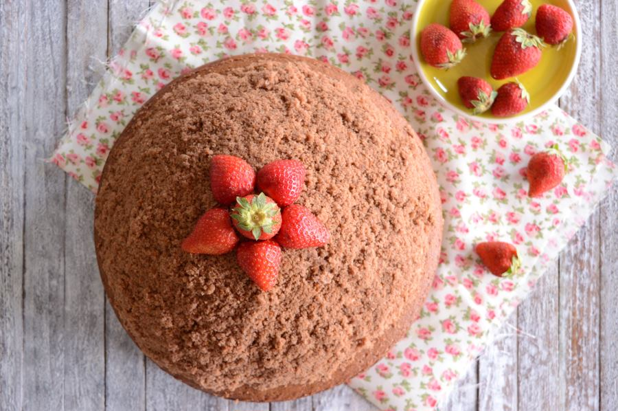Κέικ βουνό με φράουλες