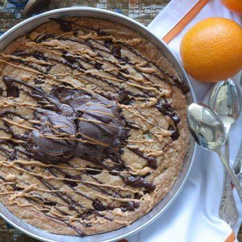 Μπισκότο με σοκολάτα και Μακεδονικό Ταχίνι με Πορτοκάλι στο ταψί