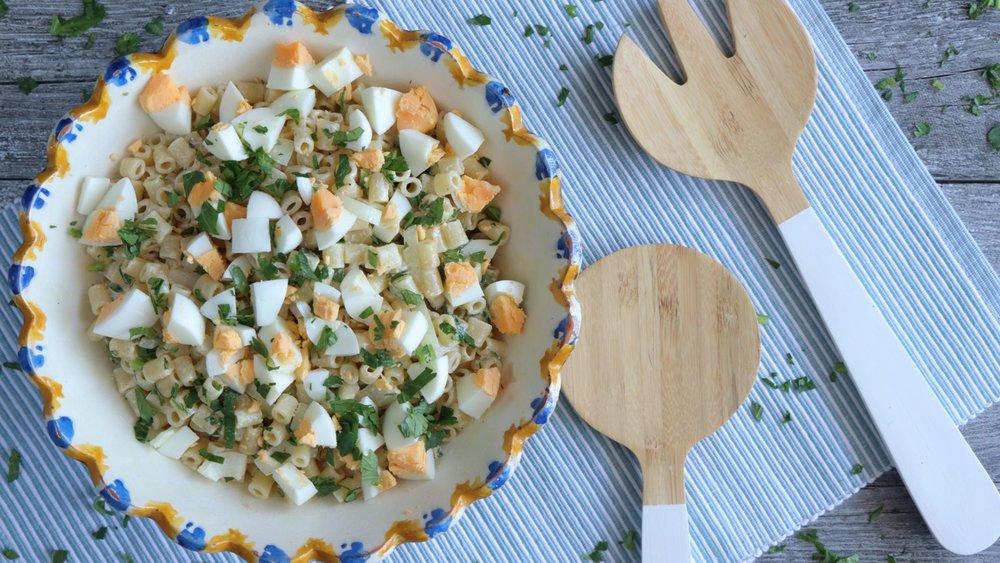 Σαλάτα με μακαρονάκι και αυγά του Πάσχα