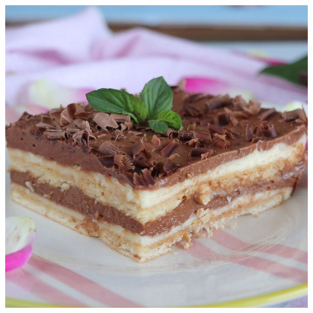 Γλυκό ψυγείου με μπισκότο και πραλίνα