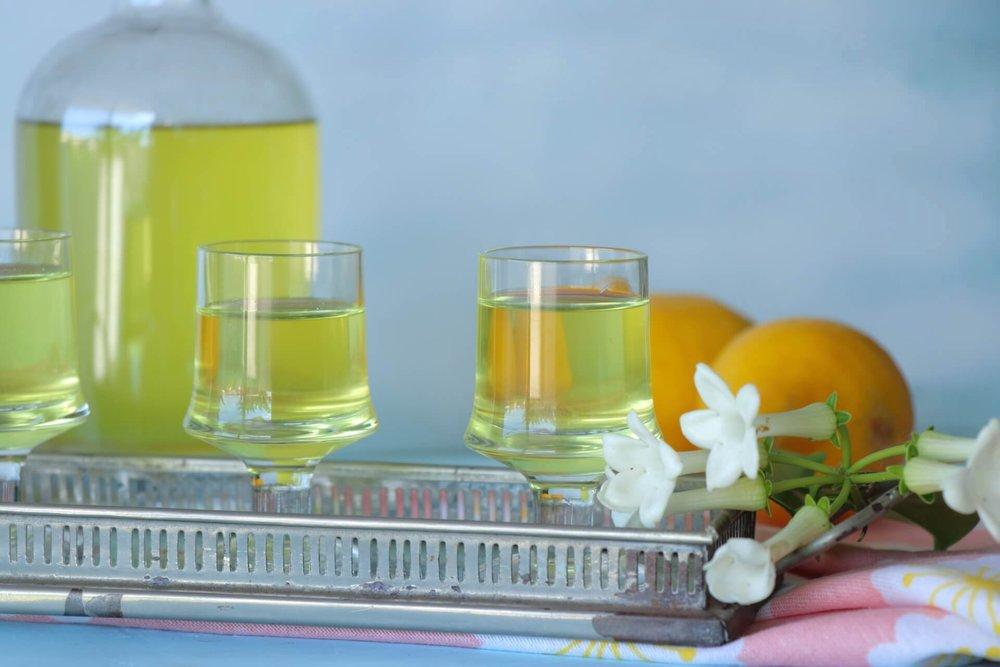 Λιμοντσέλο: Πώς να φτιάξεις το Ιταλικό λικέρ λεμονιού