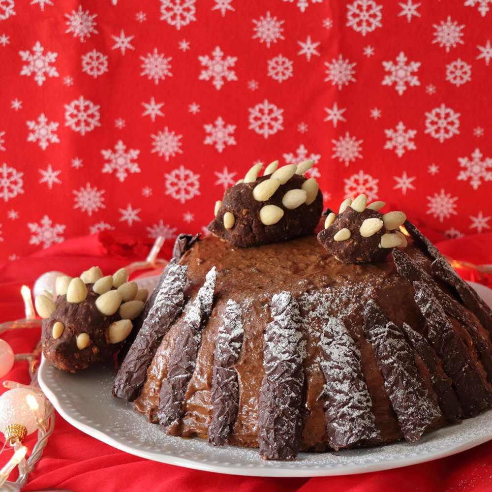 Σοκολατένια τούρτα πραλίνα σε κορμό δέντρου