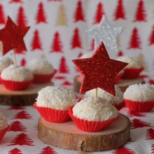 Χιονισμένα σοκολατάκια με αμύγδαλα και καρύδα