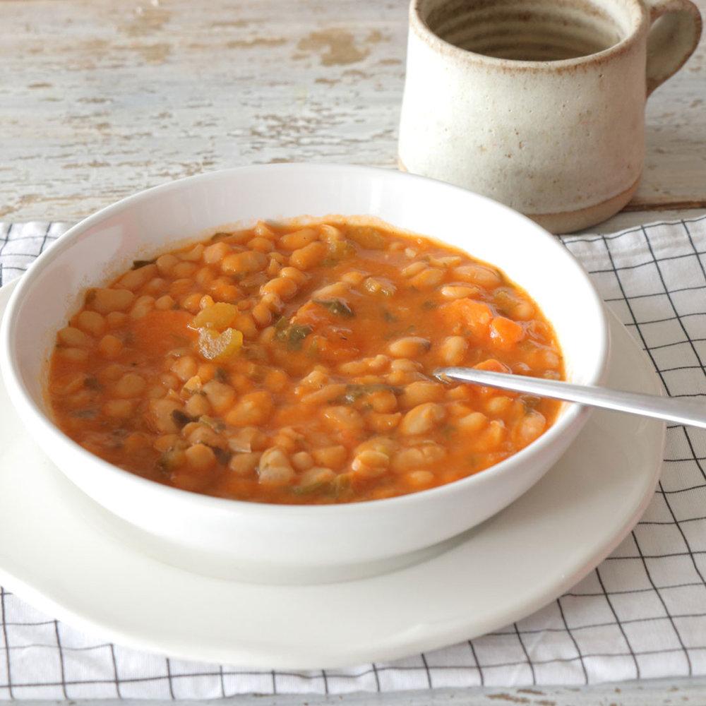 Φασολάδα σούπα στη χύτρα