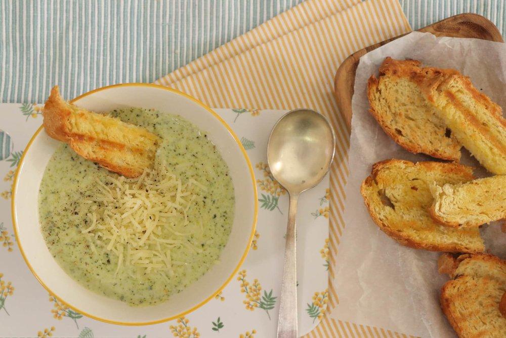 Ζεστή & γρήγορη σούπα μπρόκολο