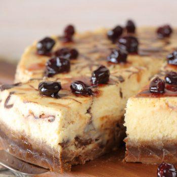 Marbled cheesecake σοκολάτα-βύσσινο