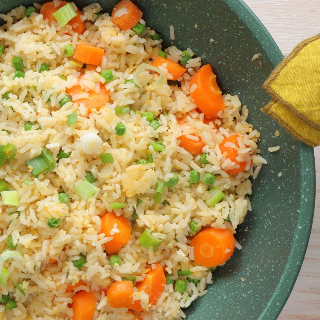 Ρύζι τηγανιτό με λαχανικά και αυγά