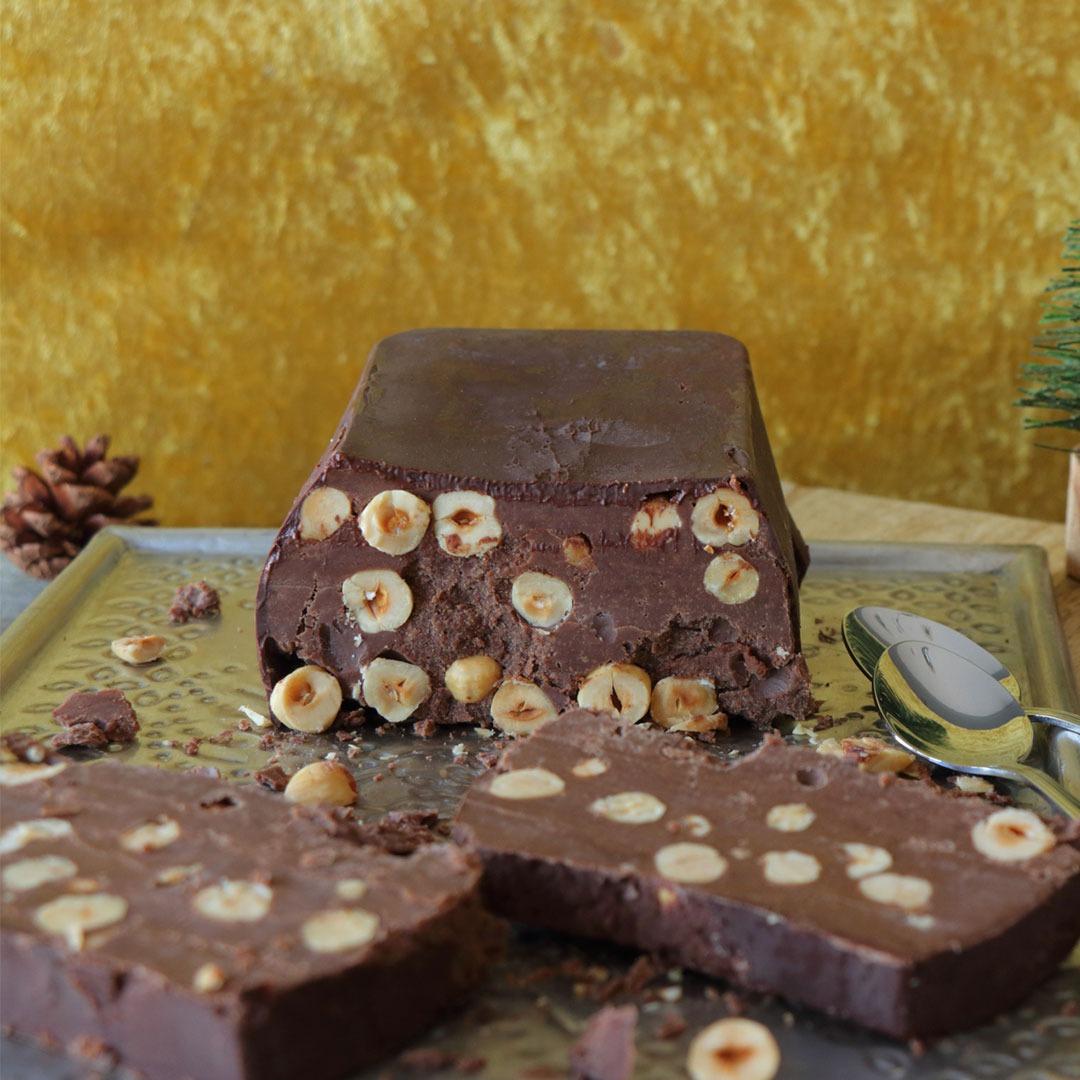 Κορμός σοκολάτα με φουντούκια