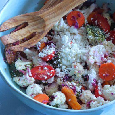 Χειμωνιάτικη σαλάτα με μπρόκολο και κουνουπίδι